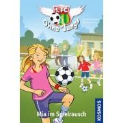 1. FC Ohne Jungs, 4, Mia im Spielrausch